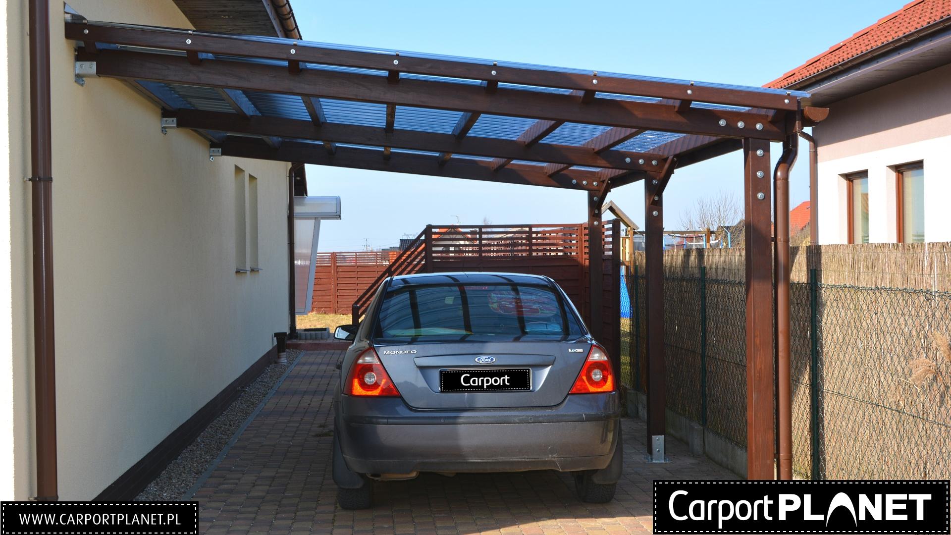 Przyścienna wiata garażowa drewniana projekt P2
